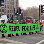 Climat: 113 militants d'Extinction Rebellion arrêtés à Londres lors du blocage de la ville