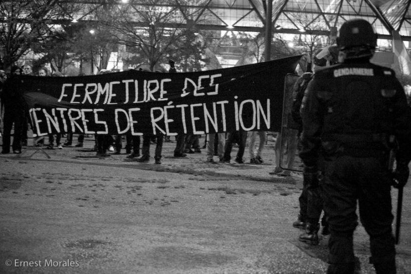 https://rapportsdeforce.fr/wp-content/uploads/2020/03/retention-administrative-820x547.jpg